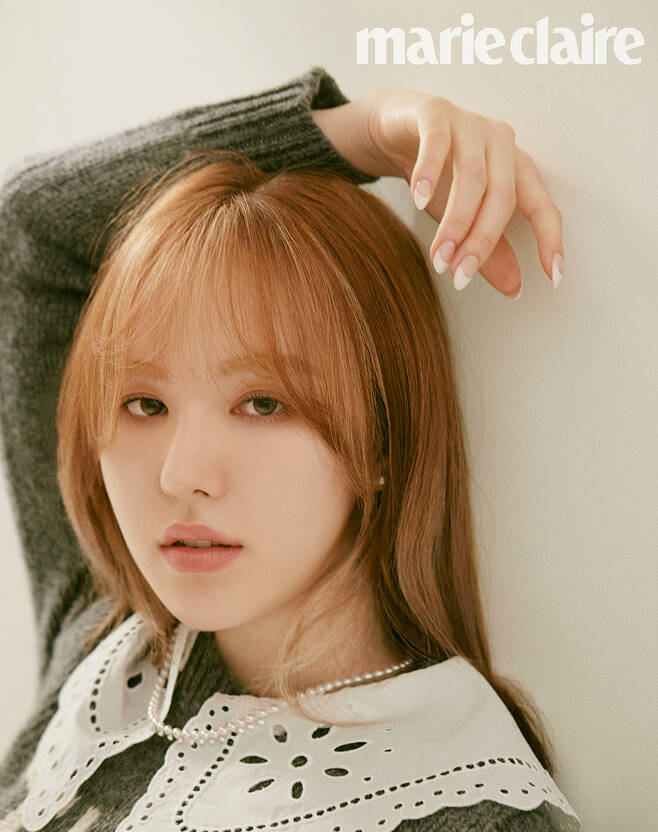 An interview with Red Velvet Wendy, who is working as an MC in JTBC Delivery Song - Mysterious Record Shop, was released in the March issue of Marie Claire.Wendy in the public picture showed a chic charm that was not often revealed in oversized suits, tweed jackets and jeans pants.In the interview, Wendy said he decided to appear on the idea that he would be able to grow up as an artist through a delivery song - mysterious record shop that talks with guests and shares playlists with each other.He added that he is learning about music that he had not seen before and is trying to listen to various music directly.Wendy, who frequently recommends songs to people around him, said, Music is comforting just to listen. He said he would like his song to feel comfortable like a friend or family.Then, in the coming spring, I hope everyone has a warm and healthy day, and I promised to return to good songs and stages soon