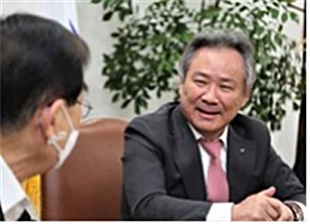 재선에 성공한 이기흥 대한체육회 회장이 본지와의 단독인터뷰에서 앞으로의 계획을 밝히고 있다.