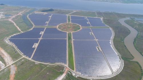 한국남부발전이 전남 해남에 구축한 국내 최대규모 태양광발전단지인 솔라시도 태양광 발전소. 해당 발전소는 인근 지역주민과 수익을 공유하는 상생형 모델로 개발됐다. /사진제공=한국남부발전