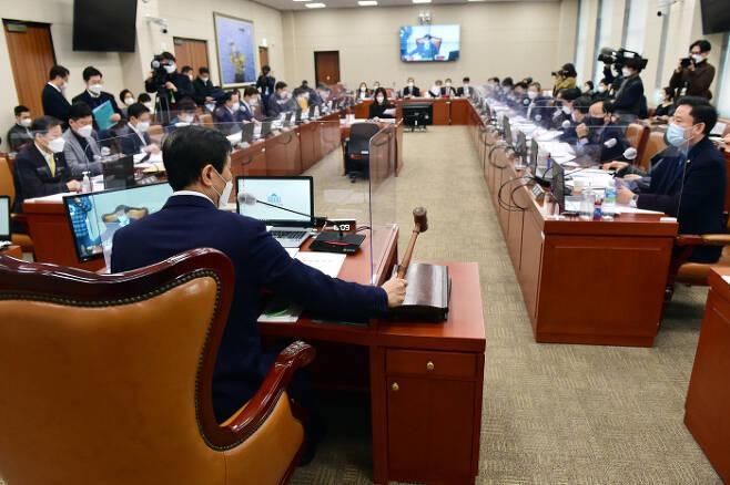 23일 국회에서 산업통상자원중소벤처기업위원회 전체회의가 열리고 있다. 연합뉴스