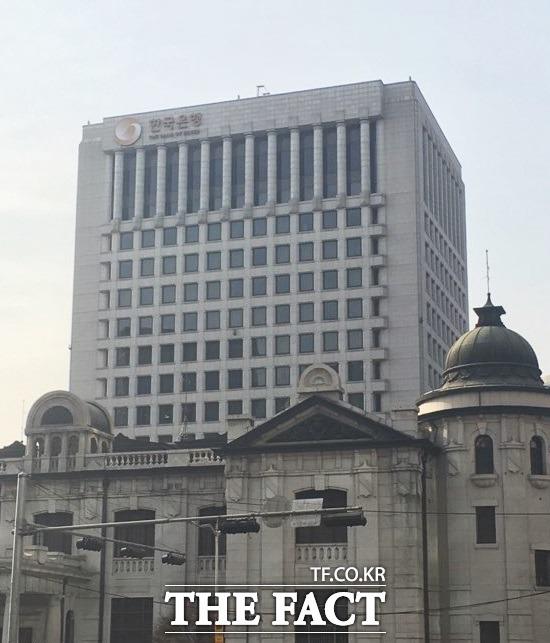 한국은행의 4일 발표에 따르면 지난해 국내총생산과 1인당 국민소득이 모두 감소했다. IMF 금융위기 이후 처음 있는 일이다. /더팩트DB