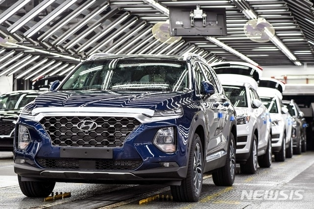 한국 자동차가 지난해 전 세계 시장에서 전년 수준의 점유율을 유지했다. [뉴시스]