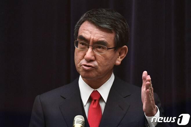 고노 다로(河野太郞) 일본 행정개혁 담당상. © AFP=뉴스1