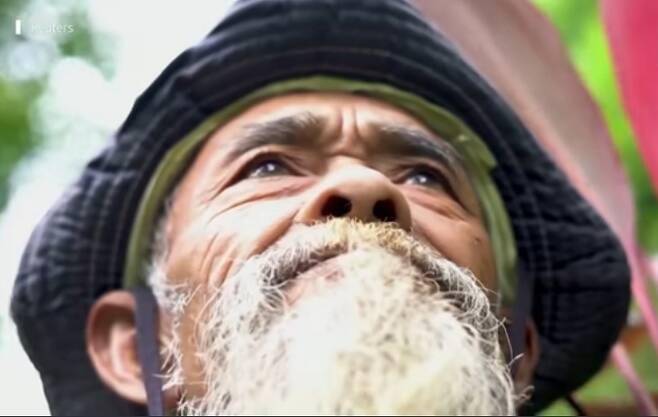 현실판 우공이산. 24년간 날마다 나무를 심어 불모의 땅을 푸른 산림으로 바꾸는 기적을 일군 인도네시아 사디만(69)씨.