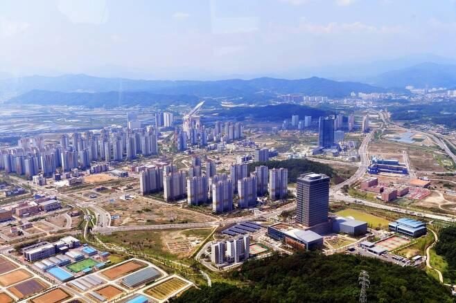 노무현 정부가 건설한 혁신도시 가운데 하나인 경북 김천 혁신도시. 류우종 기자