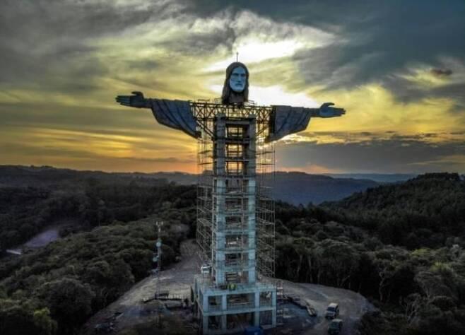 브라질 남부 엔칸타두시에 건립 중인 새 거대 예수상 [브라질 뉴스포털 UOL]