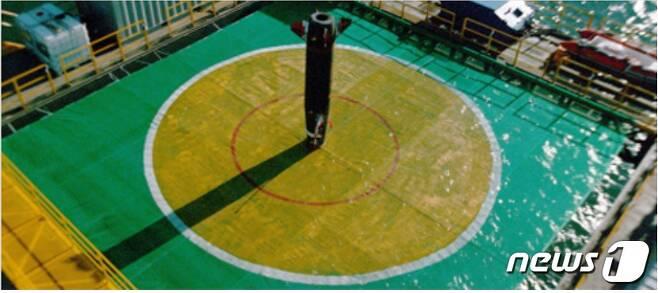 100km 이상 떨어진 해상표적에 정확히 명중하고 있는 한국형 전술지대지미사일(KTSSM). (ADD 홈페이지 갈무리) © 뉴스1