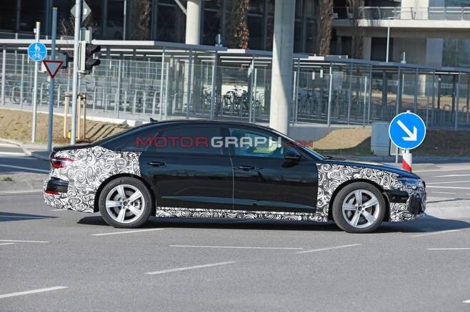 아우디 A8 페이스리프트 시험주행차량(사진제공:S. Baldauf/SB-Medien)
