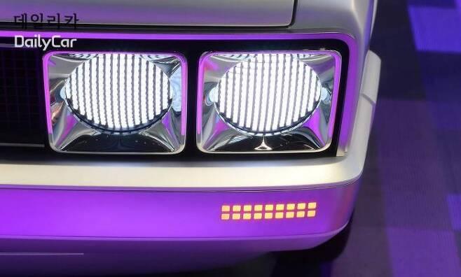 포니 콘셉트 (LED 헤드램프) </figcation>