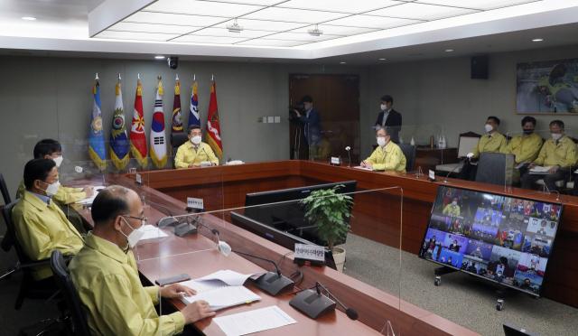서욱 국방부장관이 5월 7일 오전 국방부에서 '격리장병 생활여건 보장'을 위한 제11차 전군 주요지휘관 회의를 주관하고 있다. /사진제공=국방부