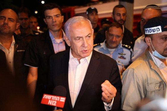 베냐민 네타냐후 이스라엘 총리가 12일 하마스의 공격에 대해 경고하고 있다. [AFP=연합뉴스]