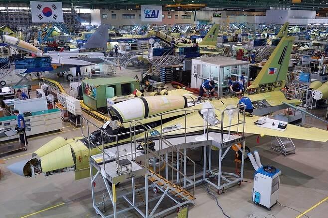 FA-50 경전투기가 경남 사천 한국항공우주산업(KAI) 공장에서 조립되고 있다. 세계일보 자료사진