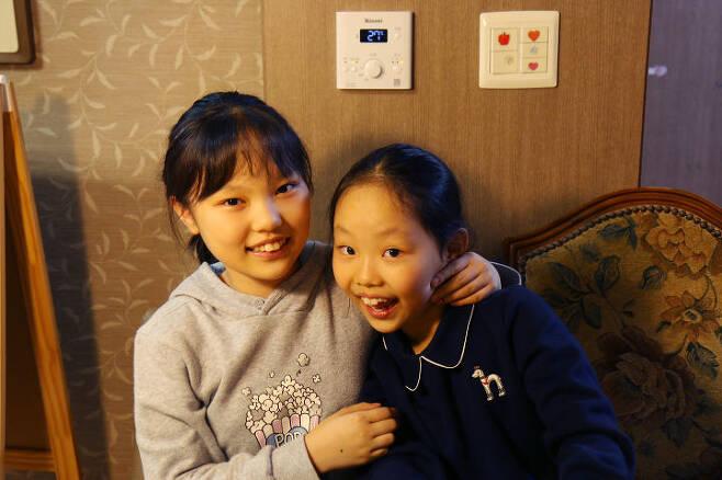 출처: 강선우 메이커와 동생 강연수 양