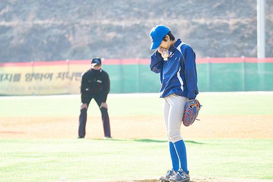 출처: < 야구소녀>