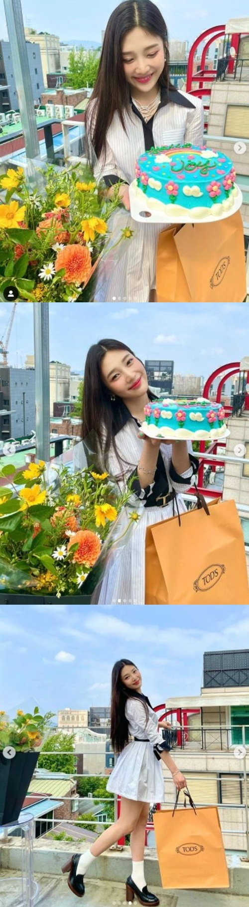 Red Velvet Joy has released a solo album release celebration shots.Joy posted an article and a photo on his instagram on the afternoon of the afternoon, Thank you so much.Inside the picture is a picture of him holding a cake with the word Hello, Joy.Joy, who built a Vitamin-like Smile with a gift-winning Cake, radiated bright energy.He also boasted of the charm of the juice, and also the beauty of the Doll-like ratio, cuteness and beauty.Meanwhile, Joy released his solo album and remake album Hello - Special Album on the 31st of last month.