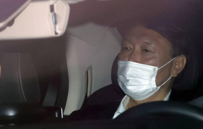 윤석열 전 검찰총장이 지난해 11월 말 서울 서초구 대검찰청으로 출근하고 있다. 연합뉴스
