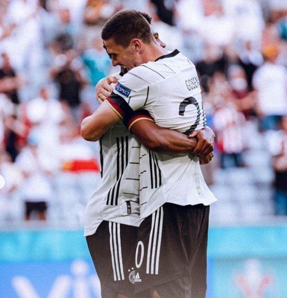 독일이 고젠스의 맹활약으로 포르투갈을 4-2로 꺾었다. [사진 DFB 인스타그램]