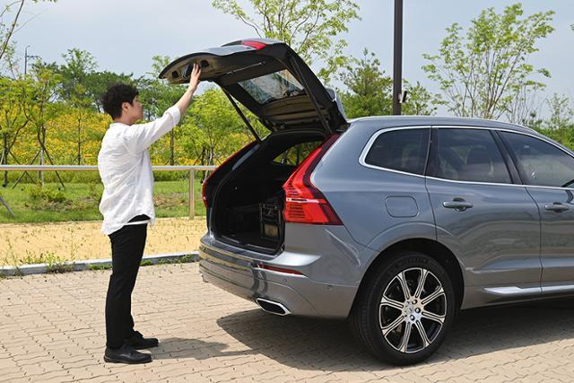 자동차 매니아인 IT 엔지니어 '이찬휘'씨가볼보 XC60 B6 인스크립션을 시승했다.