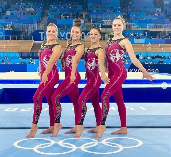 독일 여자 기계체조 대표팀은 긴 바지를 입고 올림픽에 참가했다. [사진 파울린 쉬퍼 SNS]