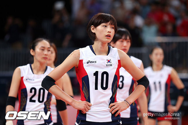 [사진] 런던올림픽 준결승전에서 일본에 패한 뒤 김연경이 망연자실한 표정을 짓고 있다. 2012.08.11 ⓒGettyimages(무단전재 및 재배포 금지)