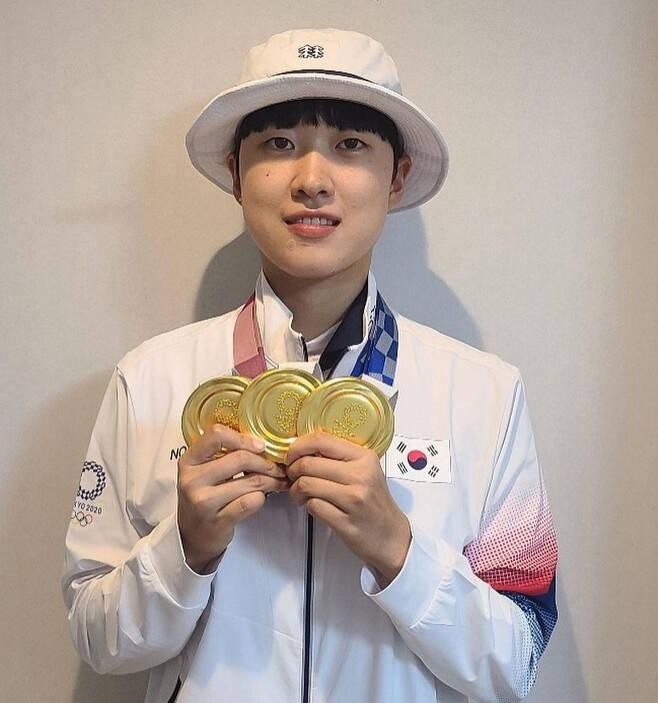 안산 선수는 도쿄올림픽 양궁 혼성 단체전·여자 단체전·개인전에서 금메달을 휩쓸며 한국 선수로는 처음으로 하계올림픽 3관왕에 올랐다. [인스타그램]
