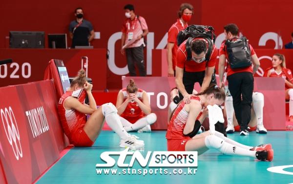 2020 도쿄올림픽 4강 진출에 실패한 터키 여자배구대표팀. 사진|뉴시스
