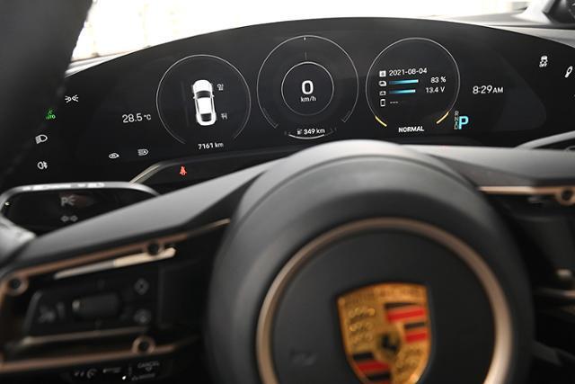 포르쉐 타이칸 터보 S 자유로 연비