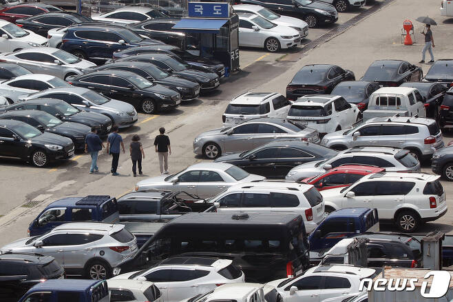 서울 성동구 장안평 중고차 매매시장 모습. 2021. © News1 민경석 기자