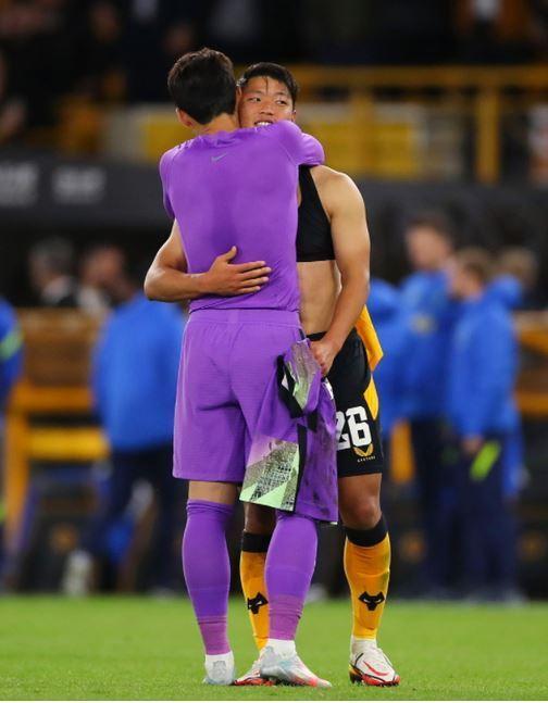 손흥민(왼쪽)과 황희찬(토트넘 SNS 캡처)© 뉴스1