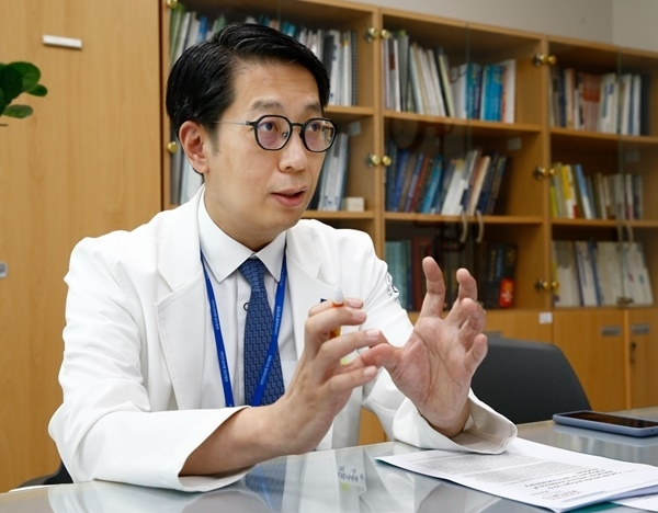 박병규 국민건강보험공단 일산병원 소화기내과 교수는 췌장암 등 악성질환이 발생할 경우 상승하는 종양표지자 CA 19-9 수치가 암이 아닌 양성질환에서도 증가할 수 있다고 설명했다.