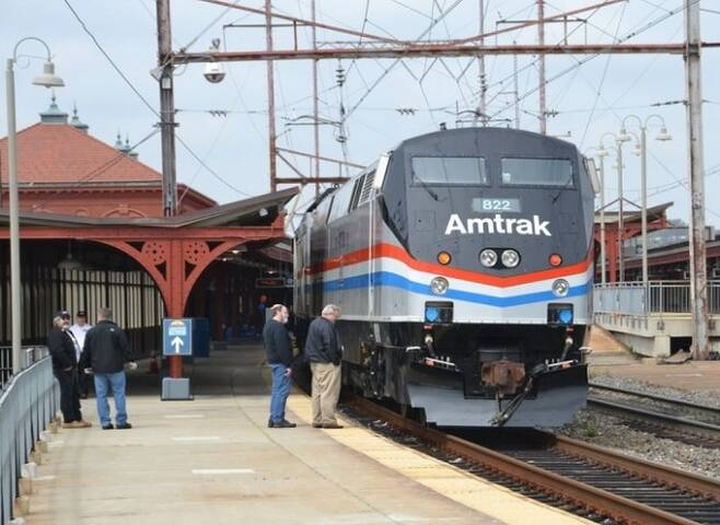 미국 델라웨어주 윌밍턴역의 모습. 한국의'코레일'에 해당하는 미국 국철 '암트랙'은 2011년이 역을 수십년간 이용한 조 바이든 당시부통령을 기려 2011년 역 이름을 '윌밍턴/바이든역'으로 개칭했다. 암트랙 제공