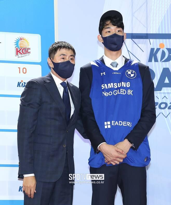 ▲ 이상민 서울 삼성 감독과 이원석(왼쪽부터) ⓒ 곽혜미 기자
