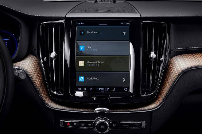 볼보 신형 XC60에 적용한 SKT 인포테인먼트 서비스 화면.