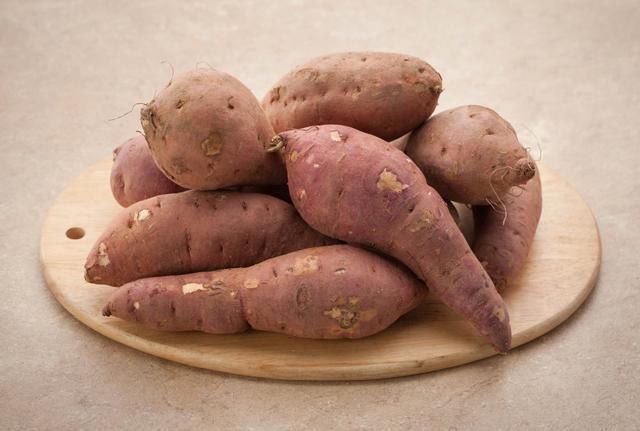 고구마 껍질에 많은 안토시아닌은 면역력 향상 효과를 낸다./사진=클립아트코리아