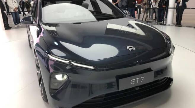 중국 전기차 업체 니오가 선보인 2022년형 'ET7'/사진=CNBC캡처