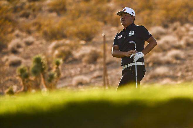 임성재가 15일(한국시간) 개막하는 PGA 투어 더CJ컵에서 앞서 연습라운드를 하던 중 티샷을 한 뒤 날아가는 공을 바라보고 있다. (사진=AFPBBNews)
